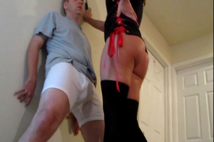 Rachel Sinclair In Scene: Rachel Shows Ass Ballbusting - CRUDELIS AMATOR BALLBUSTING FETISH - SD/480p/MP4