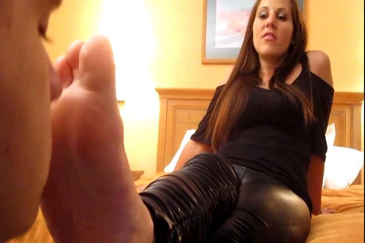 Princess Meggerz In Scene: Lap Up My Foot Sweat Like a Good Puppy - CRUDELIS AMATOR BALLBUSTING FETISH - SD/480p/MP4