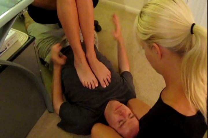 Mistress Rachel Sinclair In Scene: Rachel`s Stinky Foot Punishment - CRUDELIS AMATOR BALLBUSTING FETISH - SD/480p/MP4