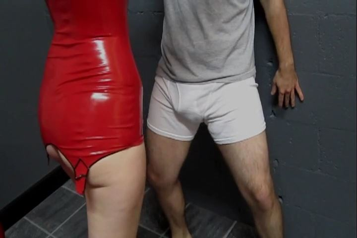 Miss Kendra James In Scene: Kendra James Destroys His Nuts - CRUDELIS AMATOR BALLBUSTING FETISH - SD/480p/MP4