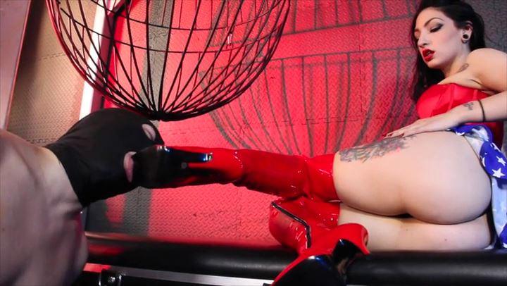 Mistress Cybill Troy In Scene: Wonder Boots - CYBILL TROY'S DTLA DOMINAS / CYBILLTROY - SD/406p/MP4
