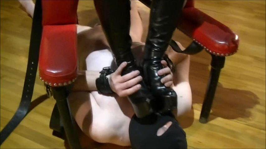 UK Mistress Elise In Scene: Treated Like A Rodent - ELISE BULLIES BALLS UK - SD/480p/MP4