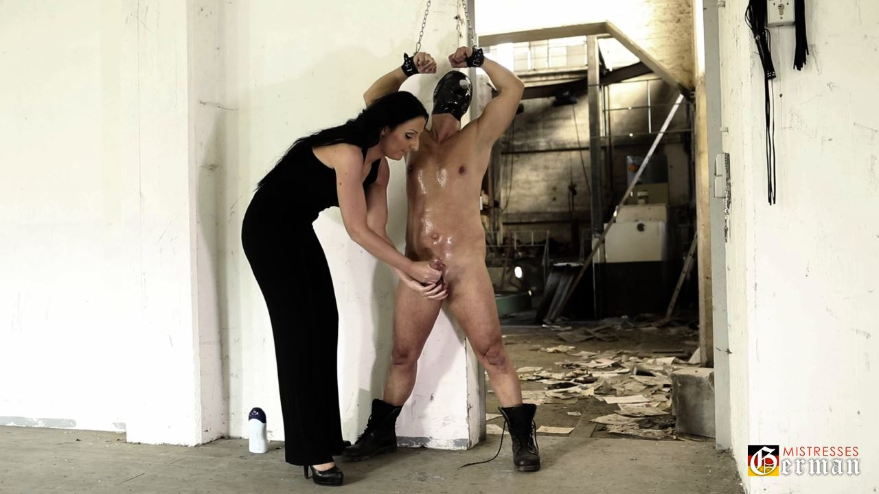 Lady Luciana In Scene: The whipped fetish Slave - GERMANMISTRESSES - HD/720p/MP4