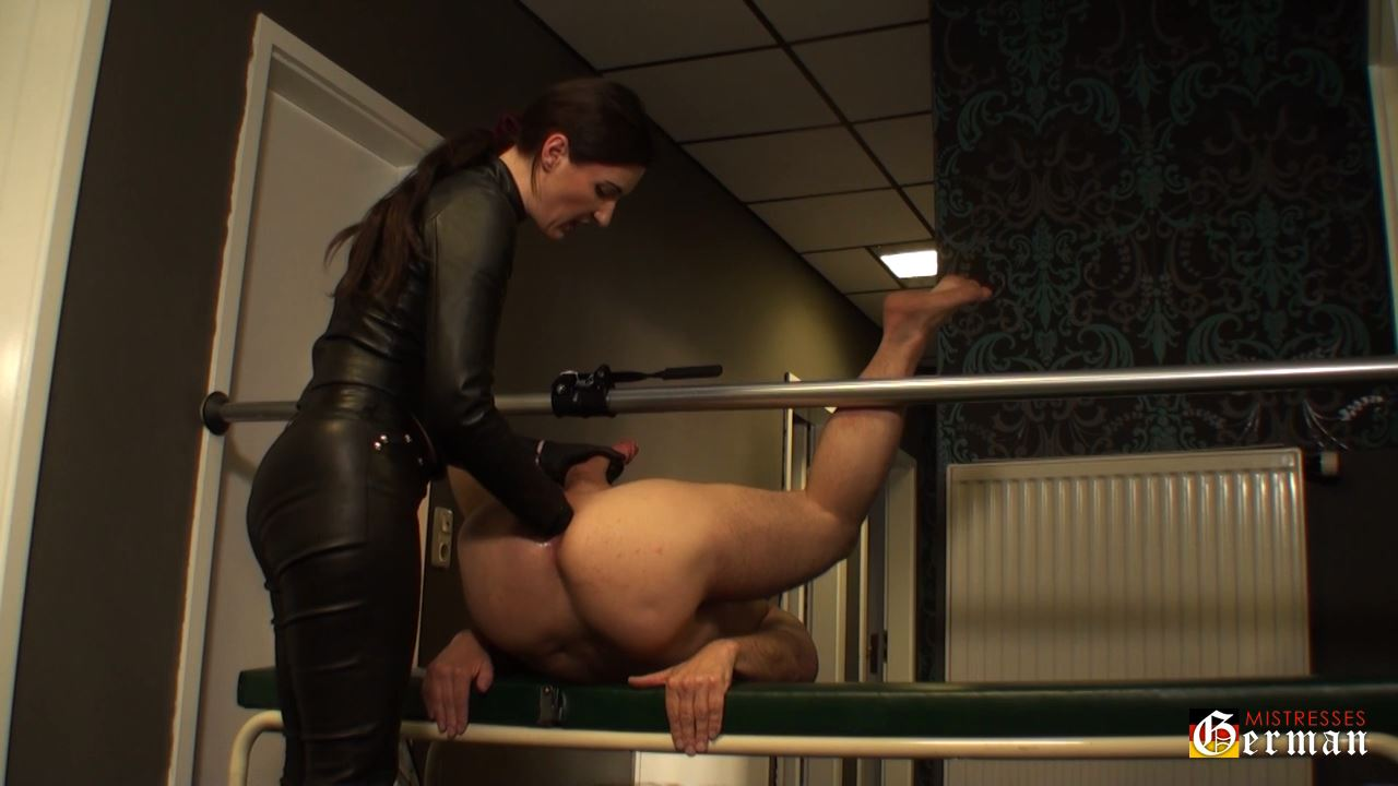 Lady Victoria Valente In Scene: Strap-on & fist fucking - GERMANMISTRESSES - HD/720p/MP4