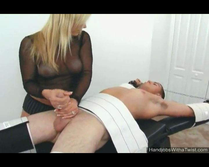 Handjob Before the Torture - HANDJOBSWITHATWIST - SD/576p/MP4