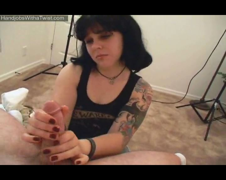 Handjob from a Cute Tattooed Girl - HANDJOBSWITHATWIST - SD/576p/MP4