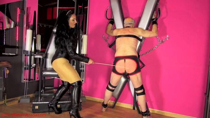 EZADA SINN In Scene: Is It Hard Being My Slave - MISTRESS EZADA - SD/406p/MP4