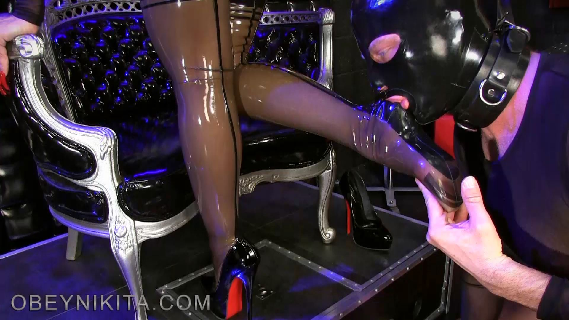 SHINY SEAMED STOCKINGS. FEATURING: MISTRESS NIKITA - OBEYNIKITA - FULL HD/1080p/MP4