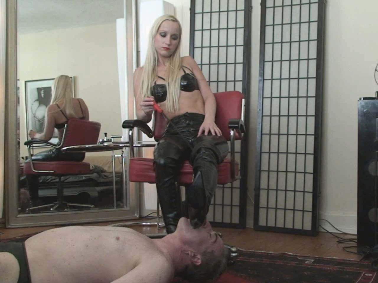Boot and Ass Worship - ABSOLUTE-FEMDOM - HD/960p/MP4