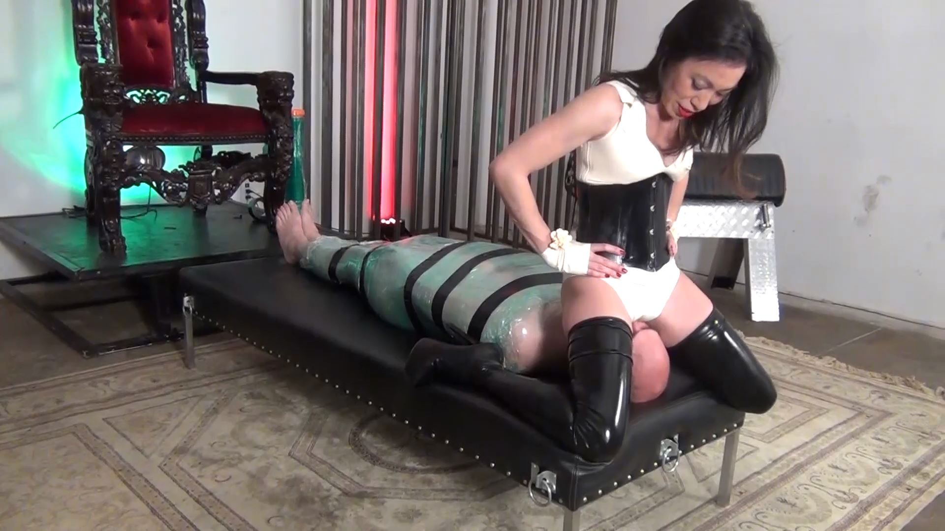 Goddess Pepper In Scene: YOU WILL ONLY BREATH MY ASS - ASIAN CRUELTY - FULL HD/1080p/MP4
