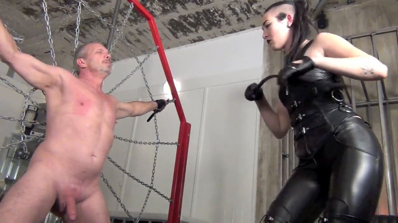 Madam Luzia Lowe In Scene: CRACKING THE WHIP ON THE HEAD OF HIS DICK - ASIAN CRUELTY - HD/720p/MP4