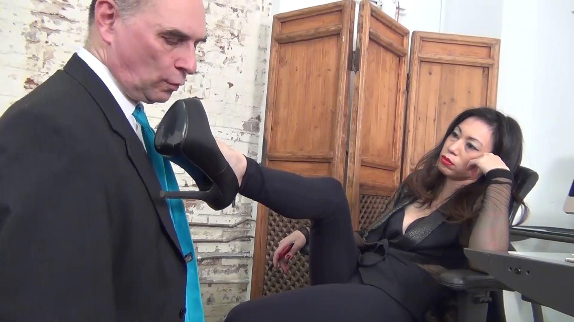Goddess Pepper In Scene: TAKE IT LIKE A BITCH - ASIAN MEAN GIRLS - FULL HD/1080p/MP4