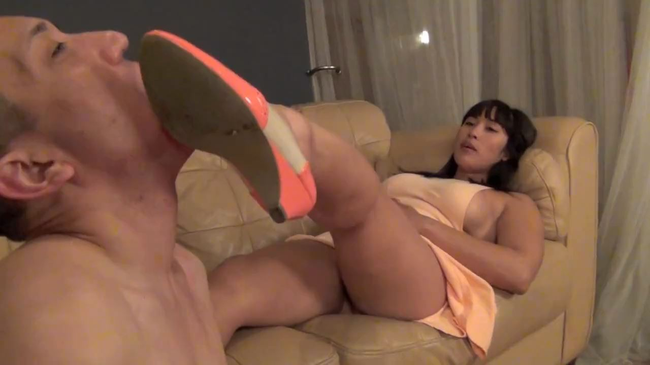 Goddess Mia Li In Scene: DROOL MY LITTLE FOOT FOOL - ASIAN MEAN GIRLS - HD/720p/MP4