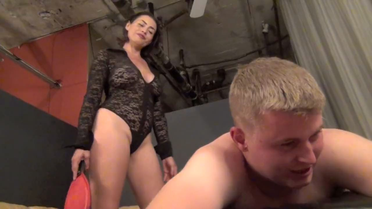 Goddess Max In Scene: TESTING THE SLAVE APPLICANTS PAIN THRESHOLD - ASIAN MEAN GIRLS - HD/720p/MP4