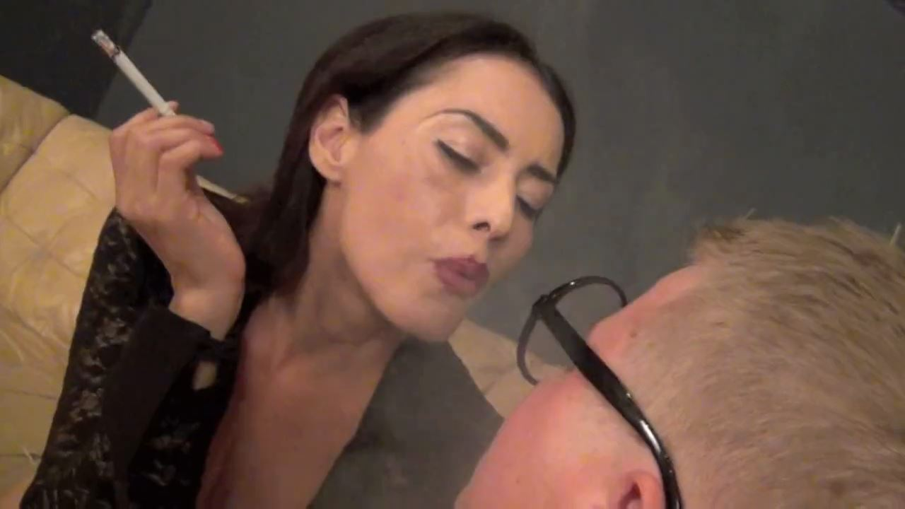 Goddess Maxine In Scene: SMOKING UP HIS GLASSES - ASIAN MEAN GIRLS - HD/720p/MP4