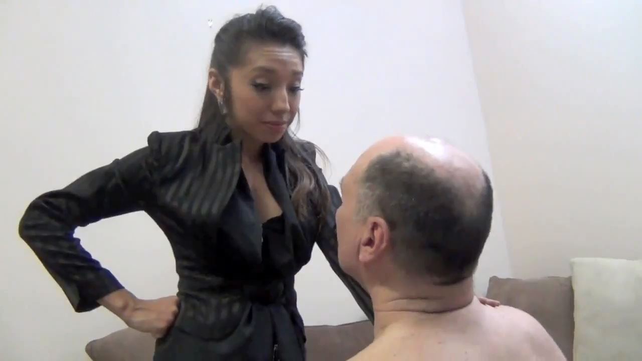 Empress Jennifer In Scene: DESTROYING THE INCOMPETENT LANDLORD - ASIAN MEAN GIRLS - HD/720p/MP4