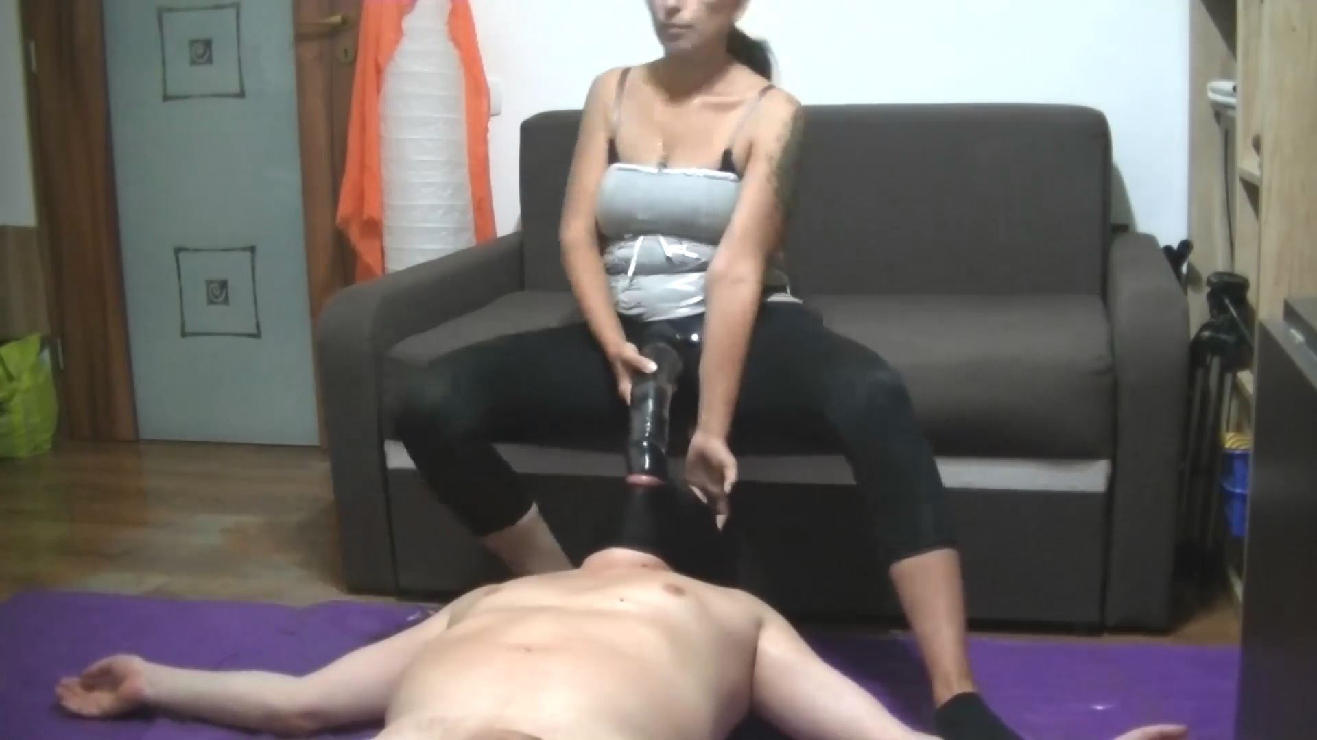 Mistress Roberta fucking her toilet mouth with strapon - BIZARRE GODDESSES - FULL HD/1080p/MP4