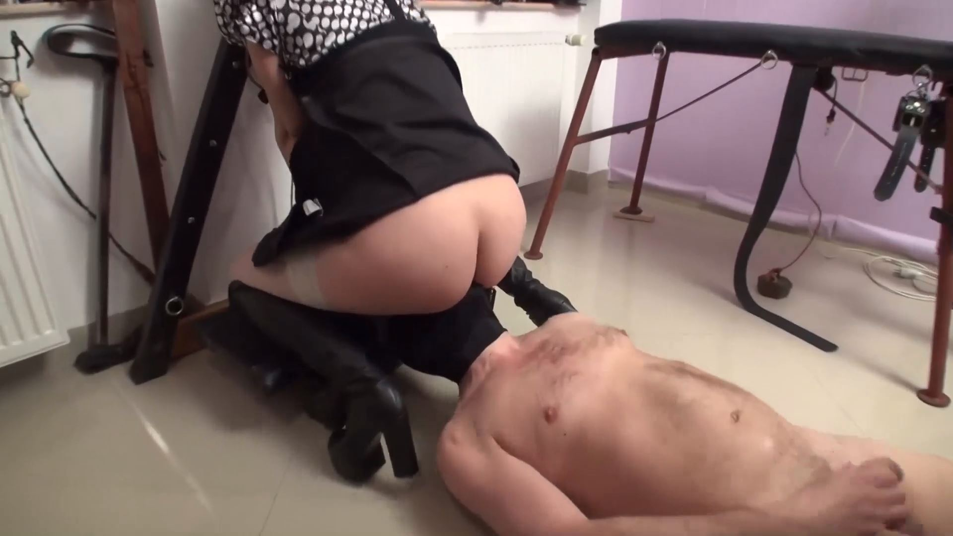 Goddess Andreea and her assistant in pantyhose - BIZARRE GODDESSES - FULL HD/1080p/MP4