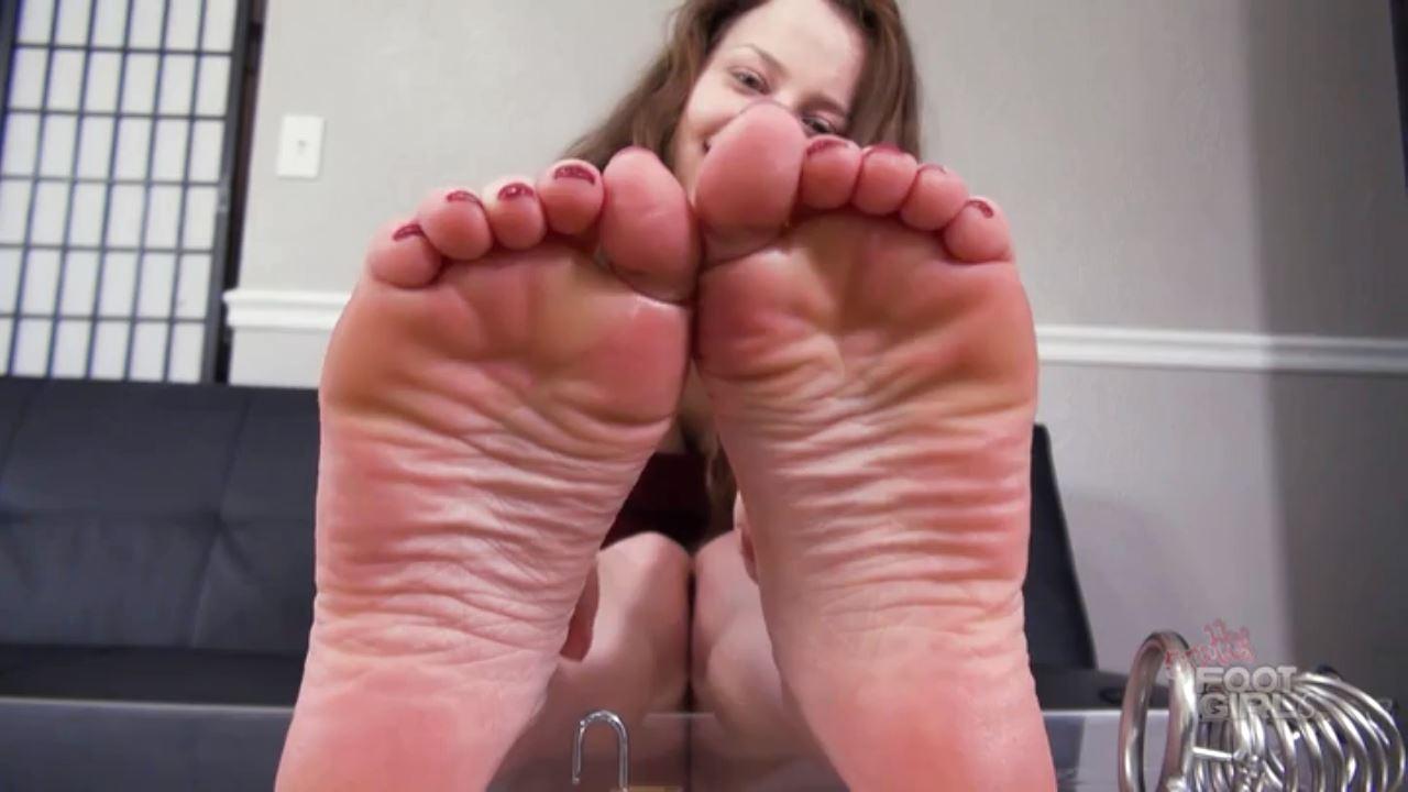 Goddess Luna puts her Foot Slave in Chastity - BRATTY FOOT GIRLS - HD/720p/MP4