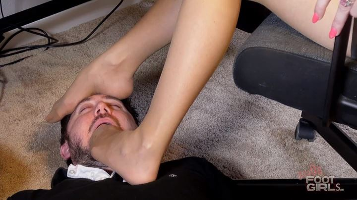 Vicky Vixxx, Jason Ninja In Scene: Vicky's Office Human Foot Rest - BRATTY FOOT GIRLS - SD/404p/MP4