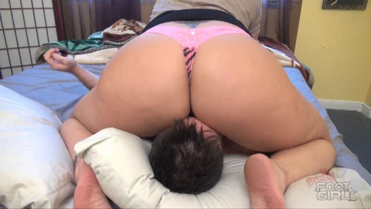 Step Mom's Wake Up Call - BRATTY FOOT GIRLS - HD/720p/MP4