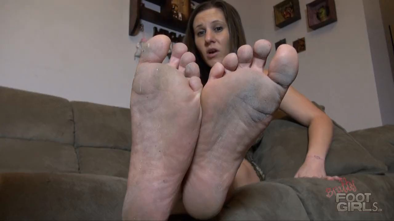 Dirt Jerk - BRATTY FOOT GIRLS - HD/720p/MP4