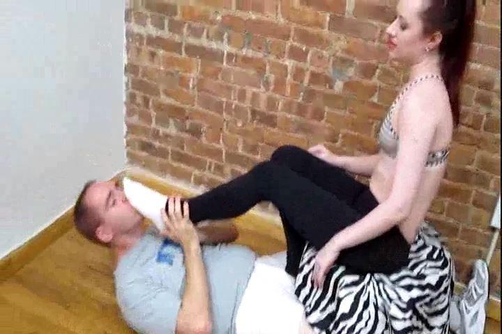 Mistress Varla In Scene: After Ballbust Foot Worship - CRUDELIS AMATOR BALLBUSTING FETISH - SD/480p/MP4