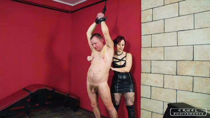Lady Maggie In Scene: Humiliating slaps - CRUEL PUNISHMENTS - SEVERE FEMDOM - SD/406p/MP4