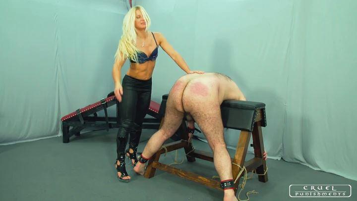 Lady Zita In Scene: Crying slave - CRUEL PUNISHMENTS - SEVERE FEMDOM - SD/406p/MP4