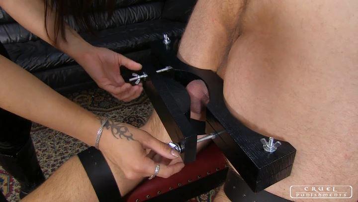 Lady Zita In Scene: Tortured ass Part 1 - CRUEL PUNISHMENTS - SEVERE FEMDOM - SD/406p/MP4