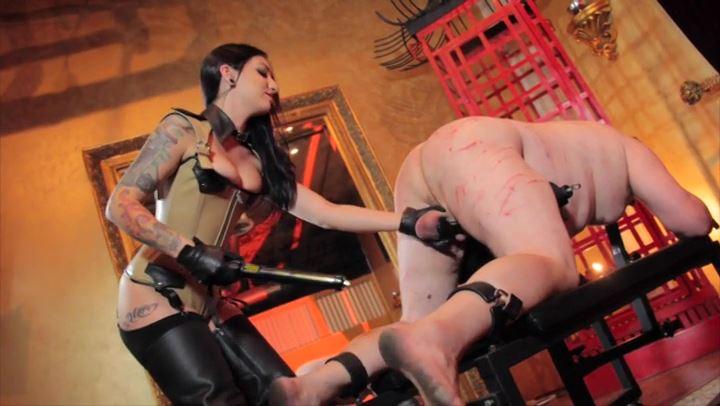 Mistress Cybill Troy In Scene: Cattle-Prod BBQ Pork - CYBILL TROY'S DTLA DOMINAS / CYBILLTROY - SD/406p/MP4