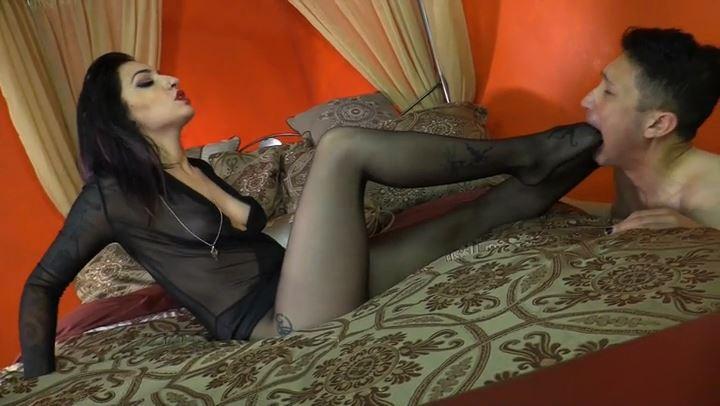 Mistress Cybill Troy In Scene: Chastity Foot Gagging - CYBILL TROY'S DTLA DOMINAS / CYBILLTROY - SD/406p/MP4