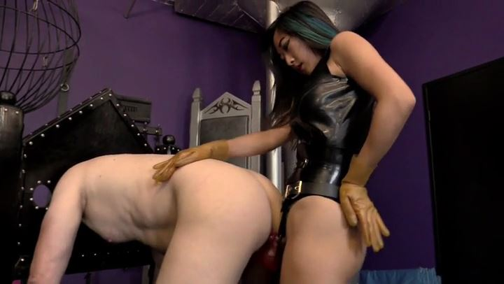 Mistress Luna Li In Scene: Spread Your Ass For Luna Li's Strap-On Cock - CYBILL TROY'S DTLA DOMINAS / CYBILLTROY - SD/406p/MP4