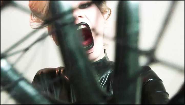 Goddess Celine In Scene: TRAPPED INSIDE MY SPIDER WEB - DANGEROUS TEMPTATION - SD/406p/MP4
