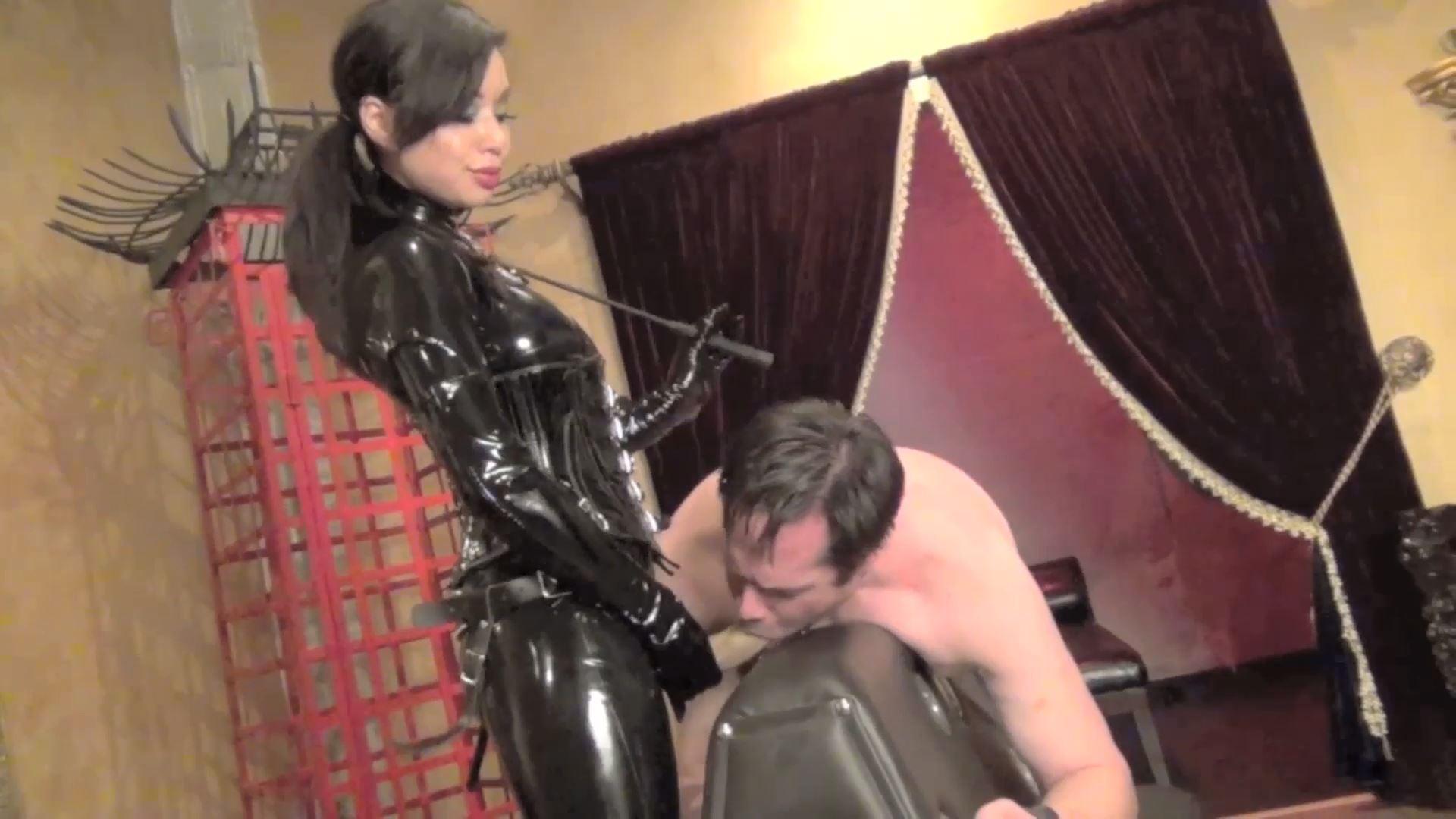 Mistress Kim In Scene: EAT YOURE SHYT BITCH! - DOMNATION - FULL HD/1080p/MP4