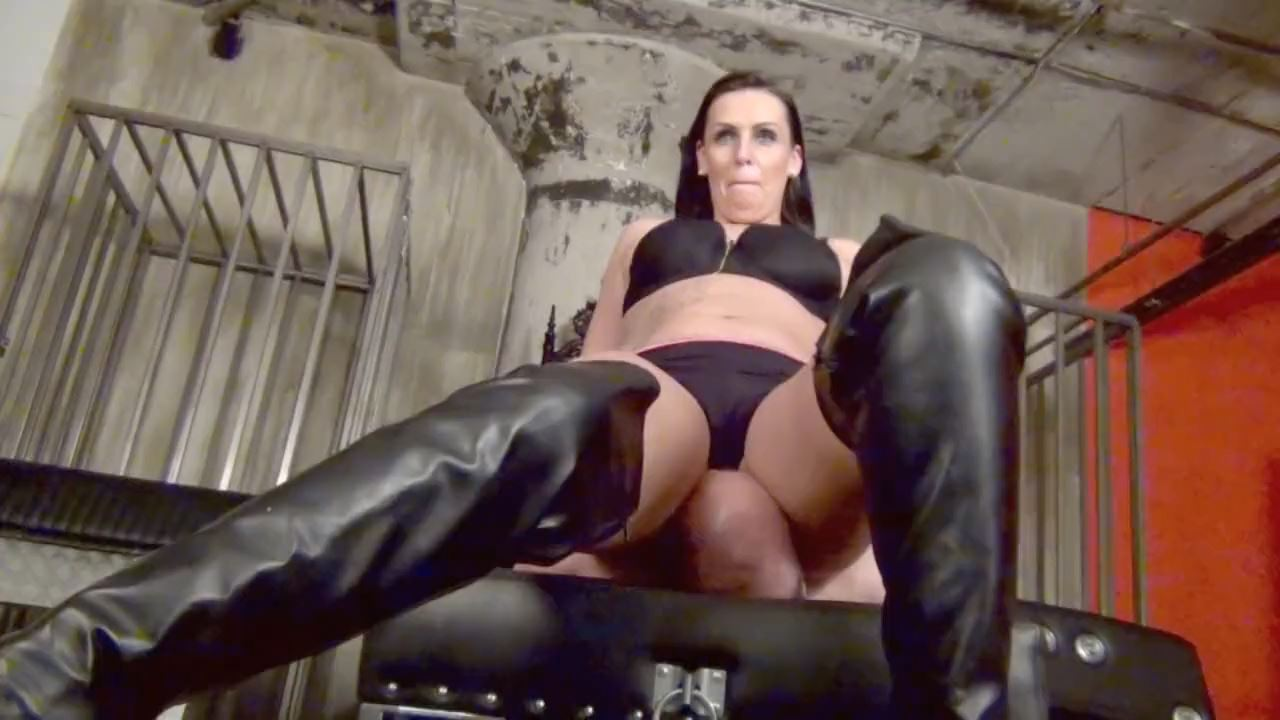 Lady Towers In Scene: BURIED BENEATH HER! - DOMNATION - HD/720p/MP4