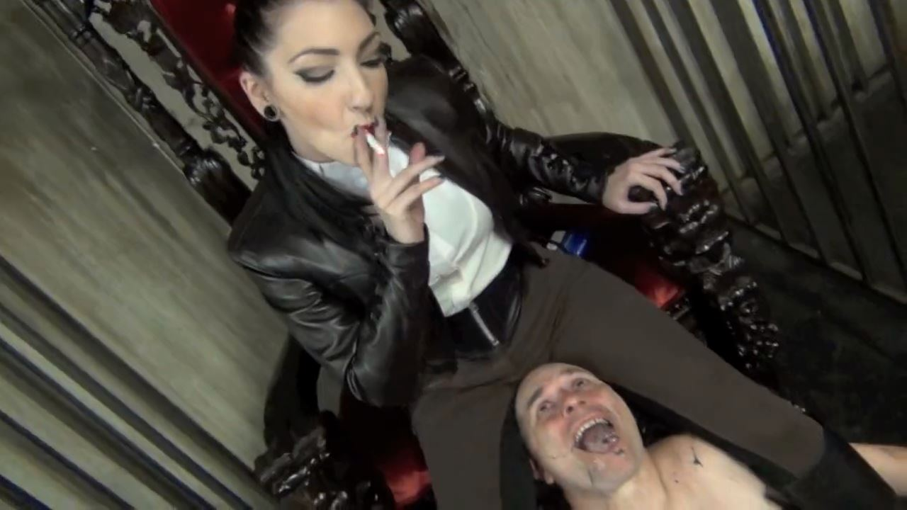 Mistress Cybill Troy In Scene: SADISM, SMOKE AND SUBMISSION - DOMNATION - HD/720p/MP4