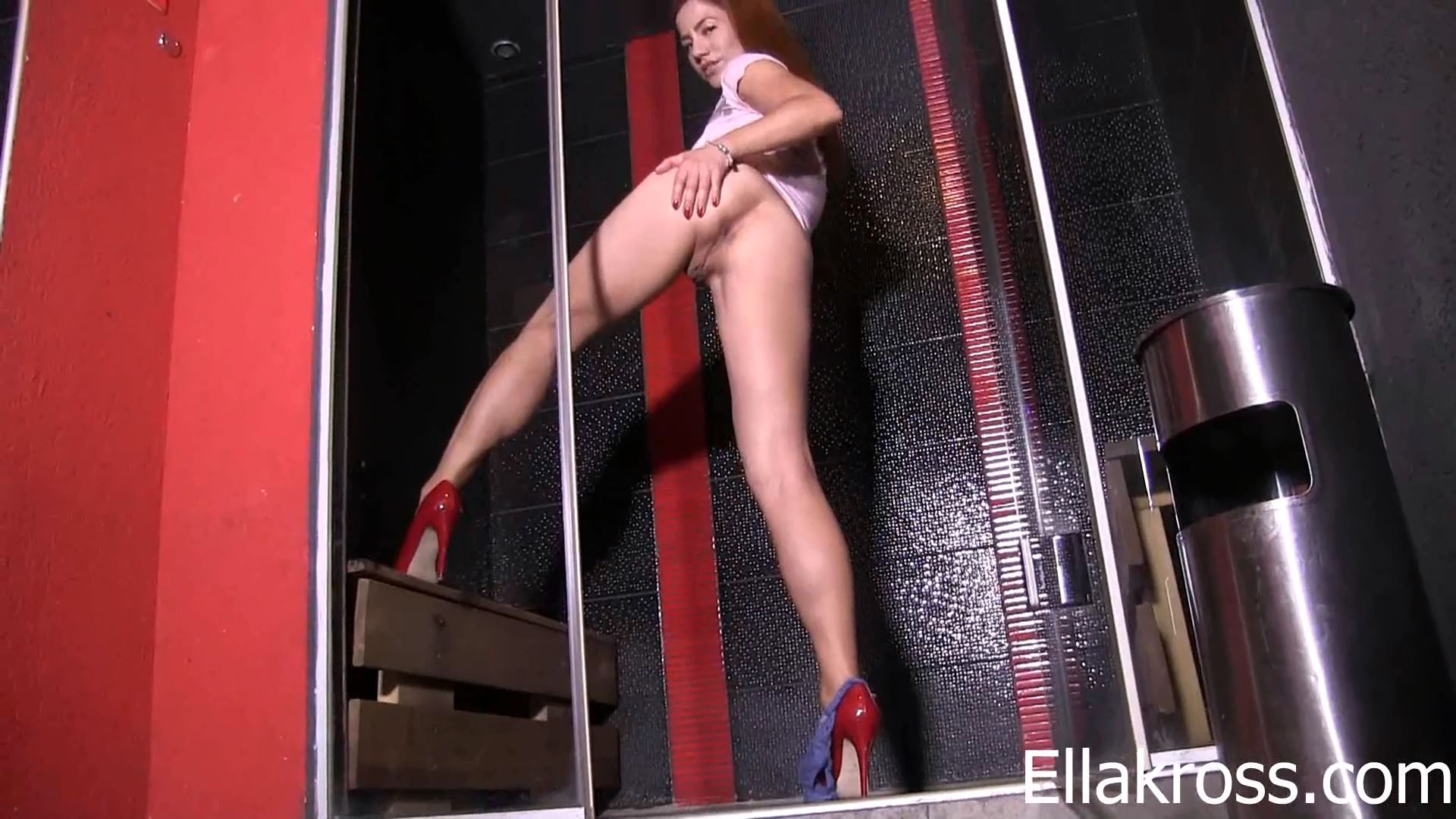 Mistress Ella Kross In Scene: Lick My Tight Asshole While You Jerk Off - ELLAKROSS - FULL HD/1080p/MP4