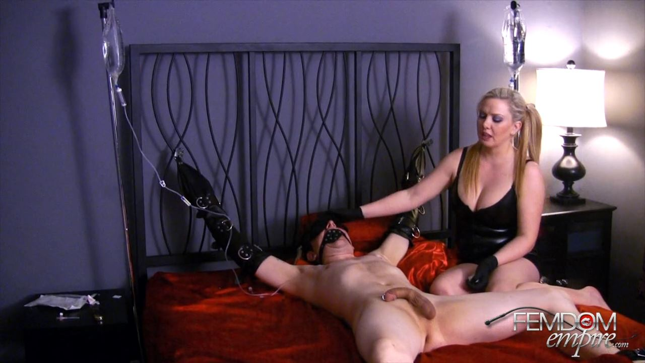 Lexi Sindel In Scene: Transformed Sissy Slave - FEMDOMEMPIRE - HD/720p/MP4