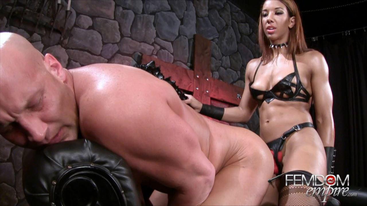Sophia Fiore In Scene: Bitch Fuck - FEMDOMEMPIRE - HD/720p/MP4