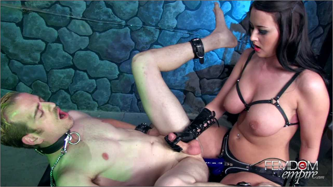 Alexis Grace In Scene: Date with my DICK - FEMDOMEMPIRE - HD/720p/MP4