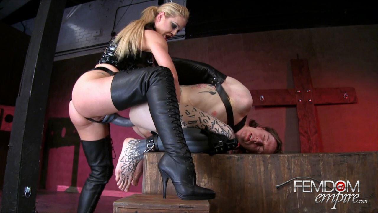 Cherie Deville In Scene: Kinky MILF - FEMDOMEMPIRE - HD/720p/MP4