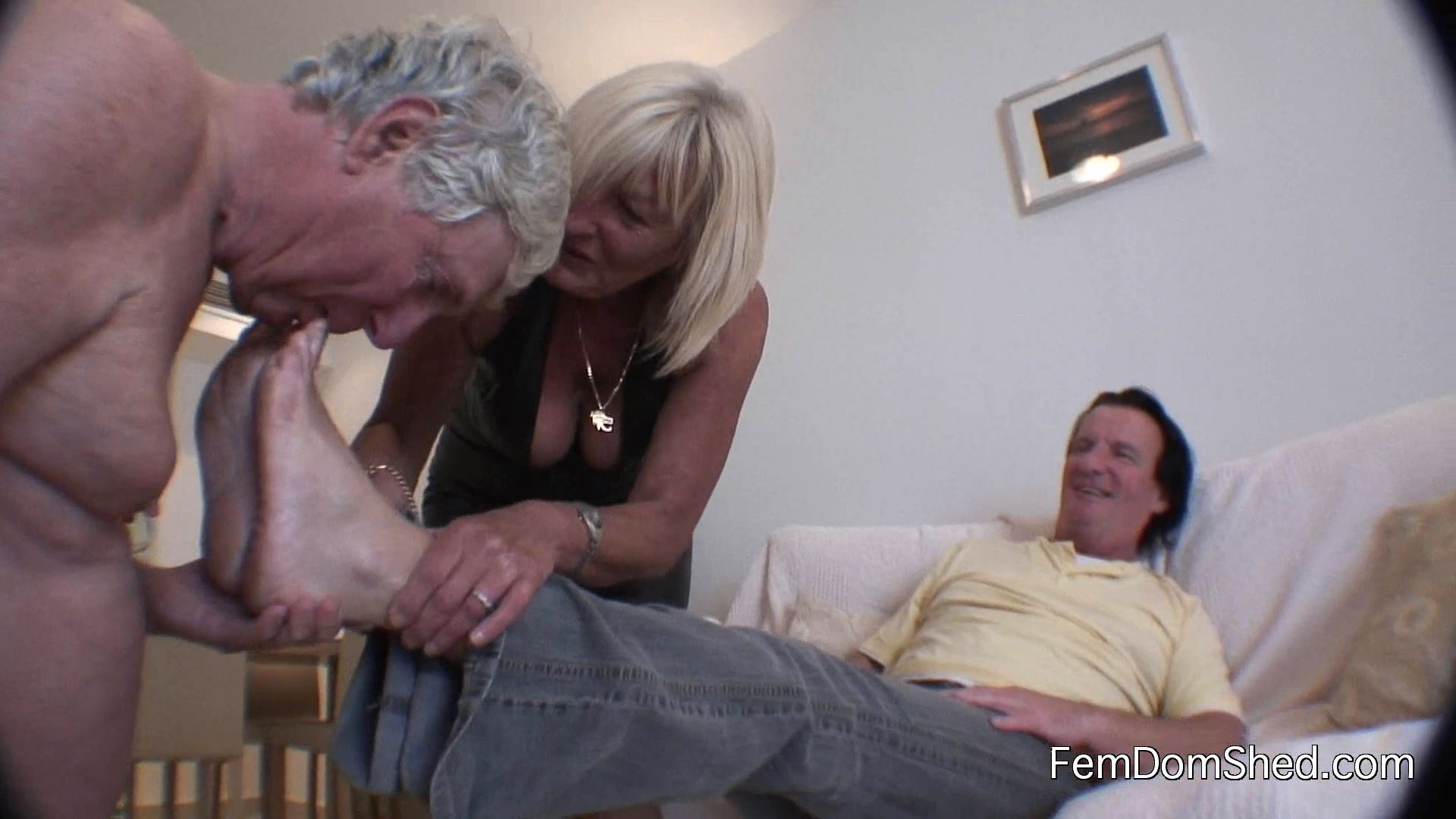 Cuckoldress Diane - Suck On My Lovers Stinky Socked Feet While I Watch - FEMDOMSHED - FULL HD/1080p/MP4