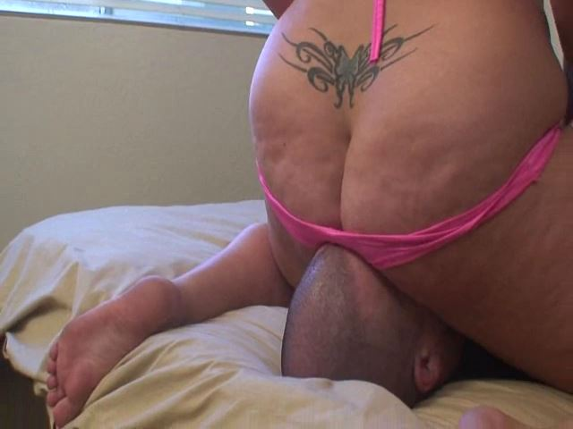 Squashed Part 2 w behind the scenes - FEMDOMARMY - SD/480p/MP4
