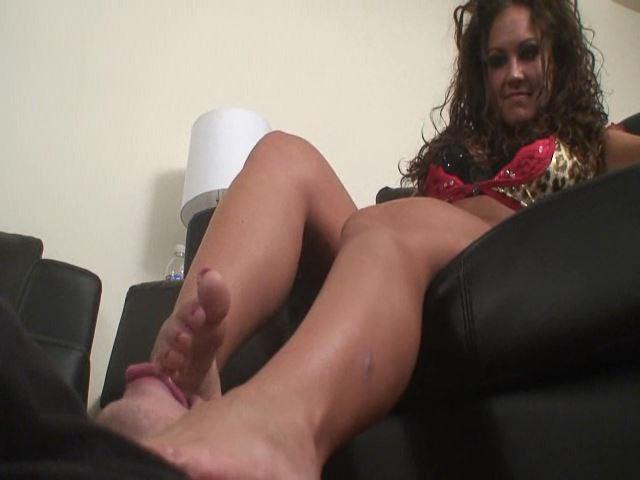 Worship Camilla's feet - FEMDOMARMY - SD/480p/MP4