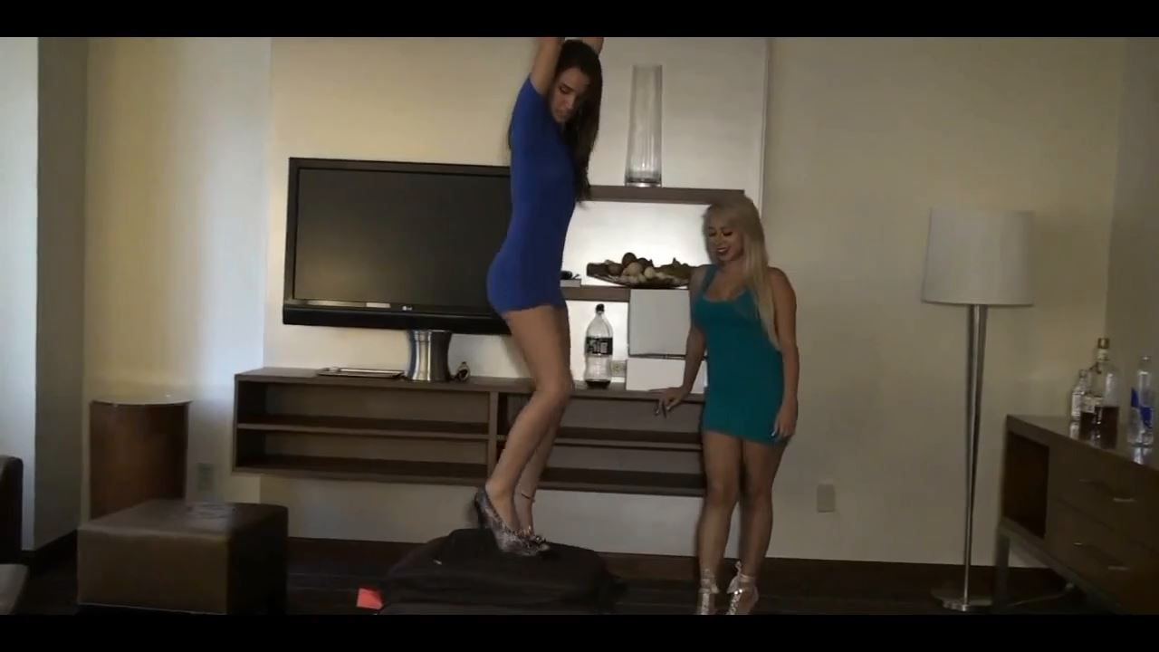 Slave put in a suitcase - FEMDOMLOFT - HD/720p/MP4
