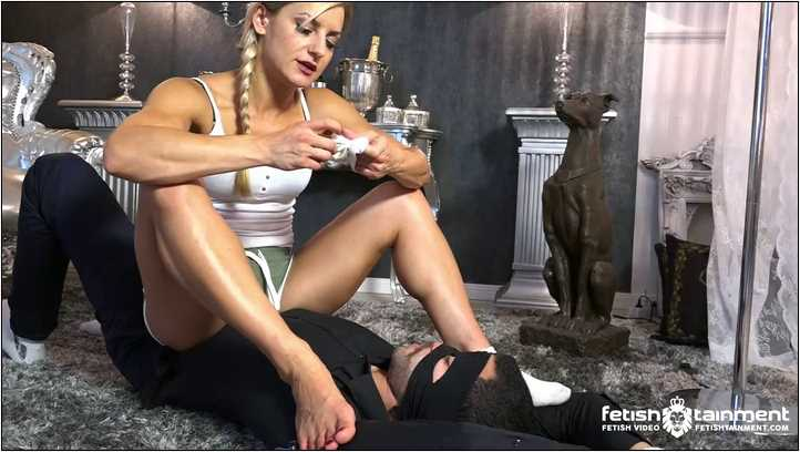 Smothered under Russlanas Feet and Socks - FEMDOMGOLD - SD/406p/MP4