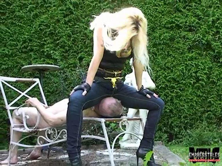 Mistress Kelly Kalashnik In Scene: FACE FLATTENED UNDER MY BLUE JEANS - FACESITTING-QUEEN - SD/576p/MP4