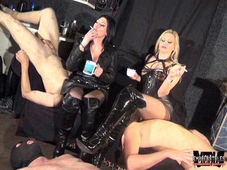 Mistress Kelly Kalashnik In Scene: COFFEE BREAK - FACESITTING-QUEEN - SD/576p/MP4