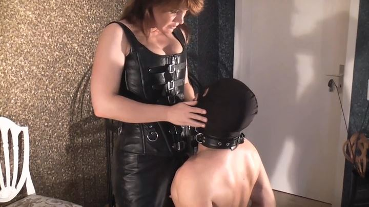Allegra Smith In Scene: Hard Faceslapping - GERMAN DOMINAS / GERMANY FEMDOM - SD/404p/MP4